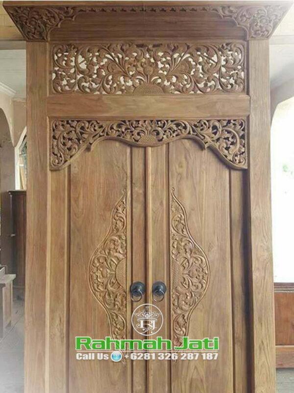 Pintu Gebyok Ukiran Bali