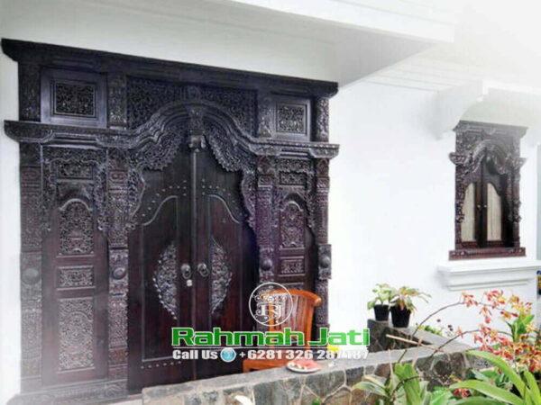 Rumah Pintu Gebyok